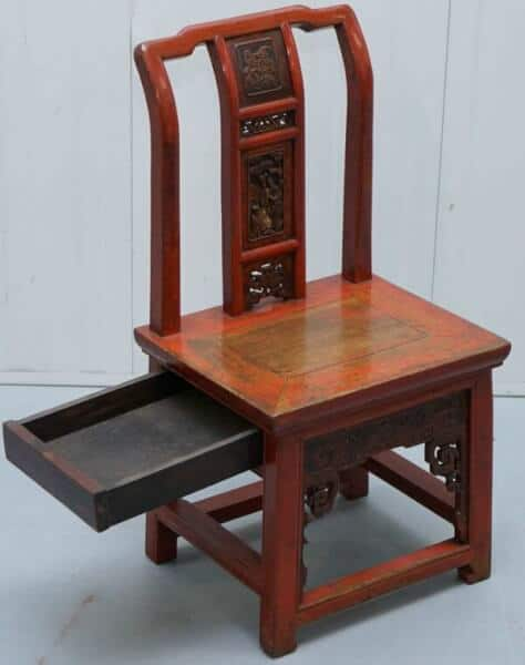 scaunul de nunta