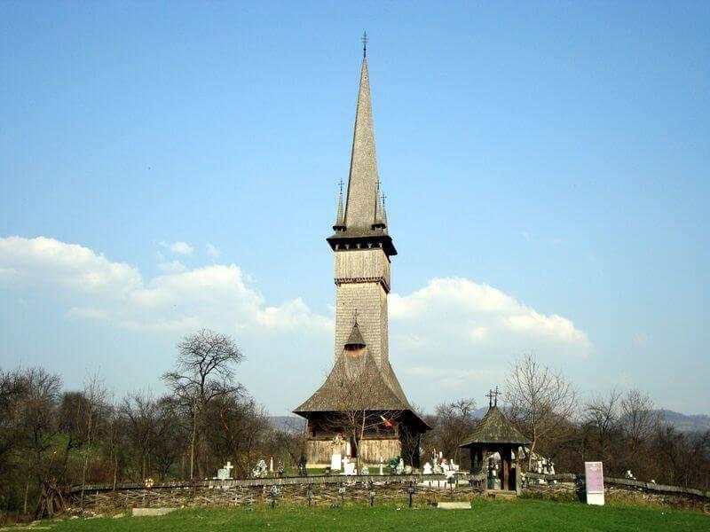 stejari in biserici