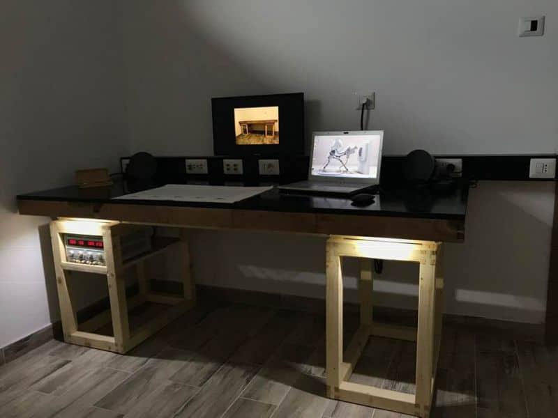 birou de lucru electronist