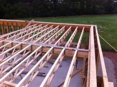 constructia caselor din lemn pe structuri