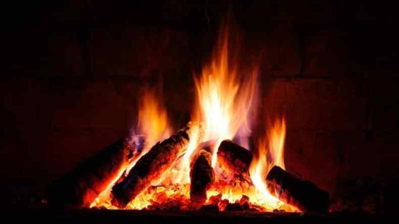 Cum fac focul  in semineu?