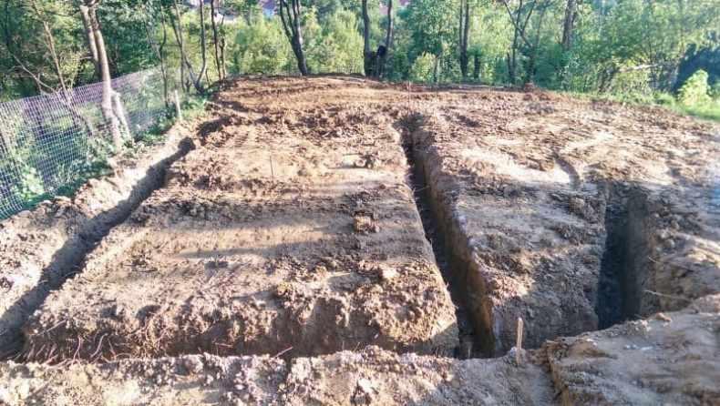 sapatura pentru fundatie la cabana de la Baia Sprie