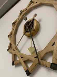 ceas din lemn ca un suflet de tâmplar