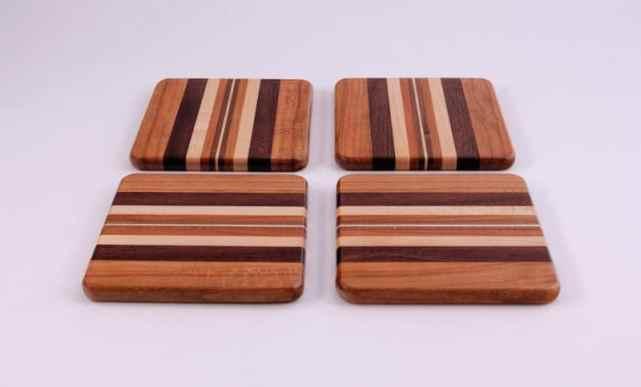suporturi din lemn pentru căni și pahare