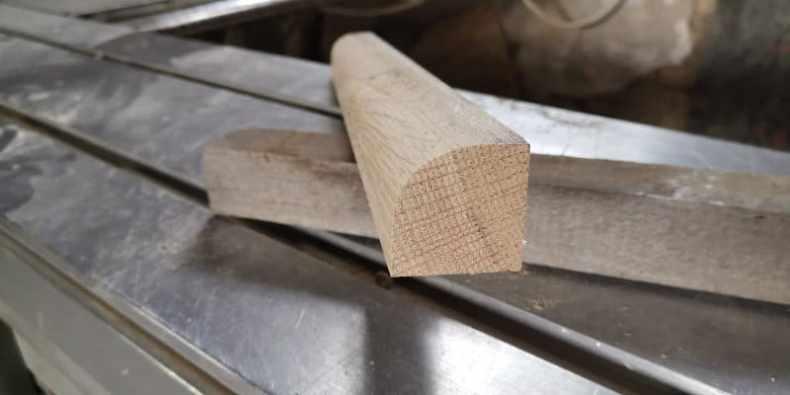 element de colt frezat din stejar