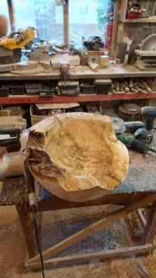 Gabi Rizea - sculptura unui lavoar din lemn