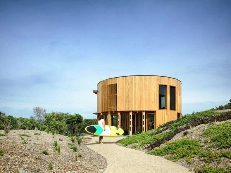 Austin Maynard - casa din lemn rotundă