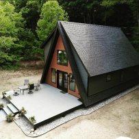cabana cu terasa generoasa