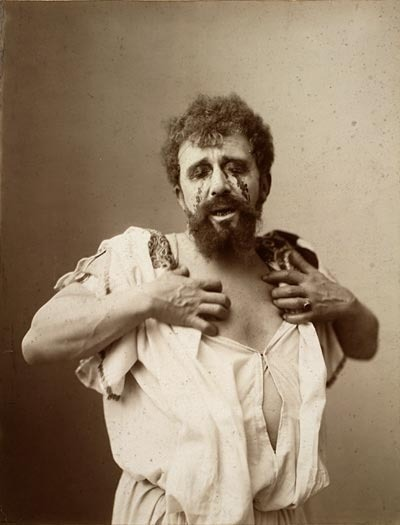 An actor playing Oedipus, between 1875 and 1905. Creative Commons Attribution Share Alike (cc by-sa) Albert Greiner