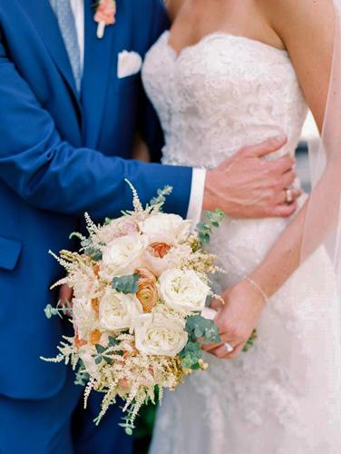 meghan-kurt-close-up-laura-ann-miller-photography-bouquet-by-stems-florist