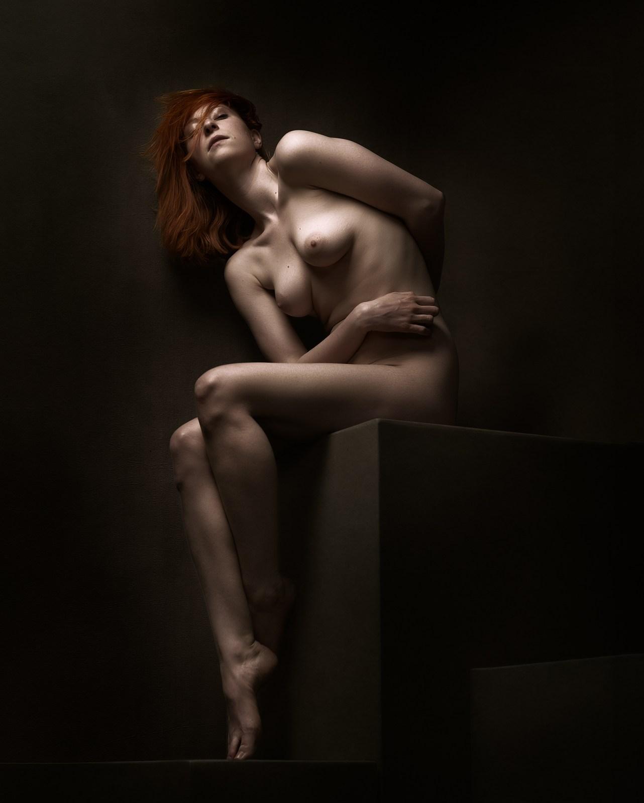 Art nude - Languishing Pose