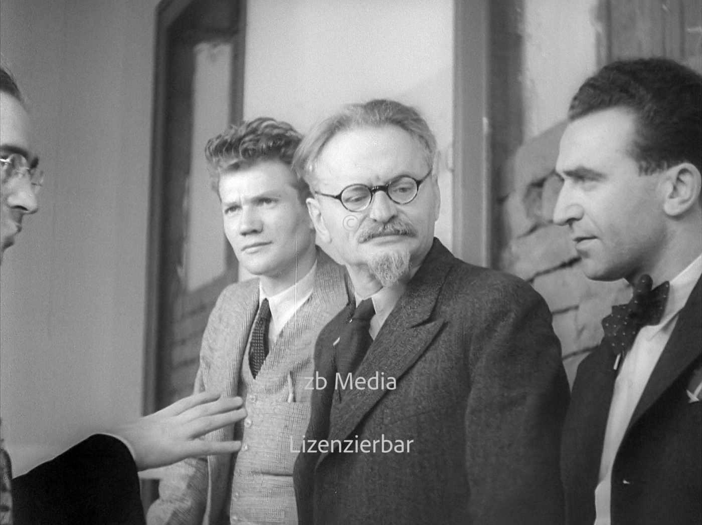 Trotzki mit Jean van Heijenoort und Jan Frankel