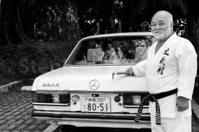 Masahiro Nakamoto prend le volant de sa mercedes 280 E