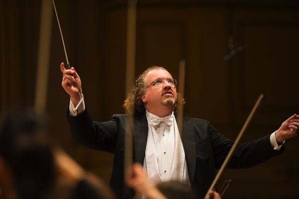 Stéphane conducting the St. Louis Symphony Orchestra