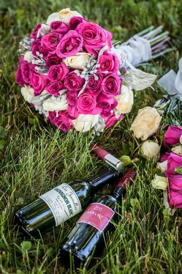 stephane-lemieux-forfaits-et-tarifs-photographe-mariage-montreal-wedding-flowers-bouquet-fleurs-bouteille-vin