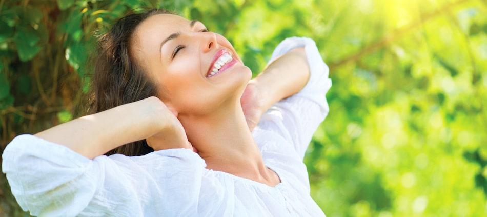 femme-sourire-bien-etre Stéphanie Rodriguez-André