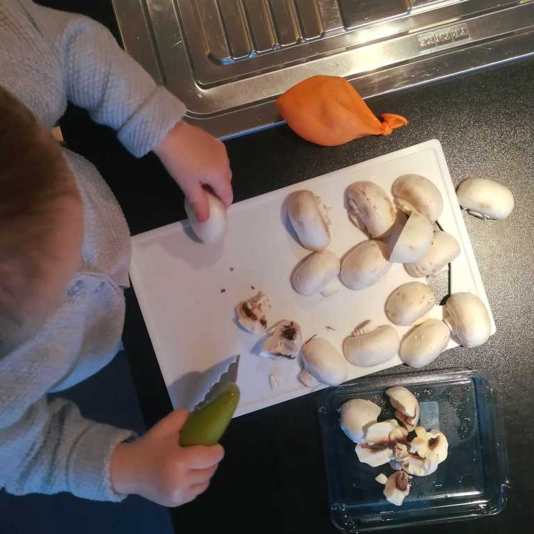 Praktische leven: groenten snijden