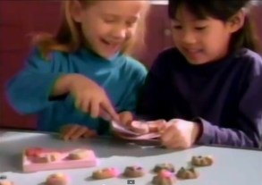 """Playdoh Cookie Lovin' Oven"" Commercial"