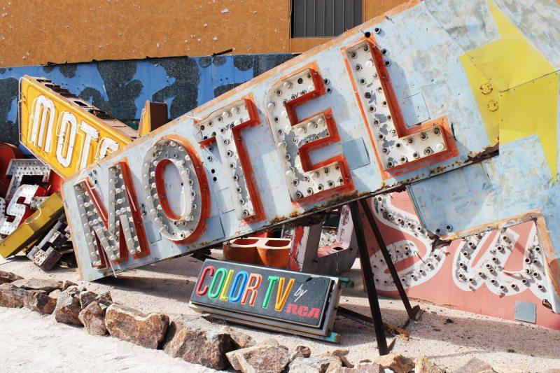 Neon Boneyard, Vegas