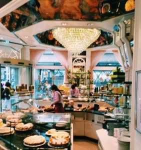 Cafe Reichard cake shop