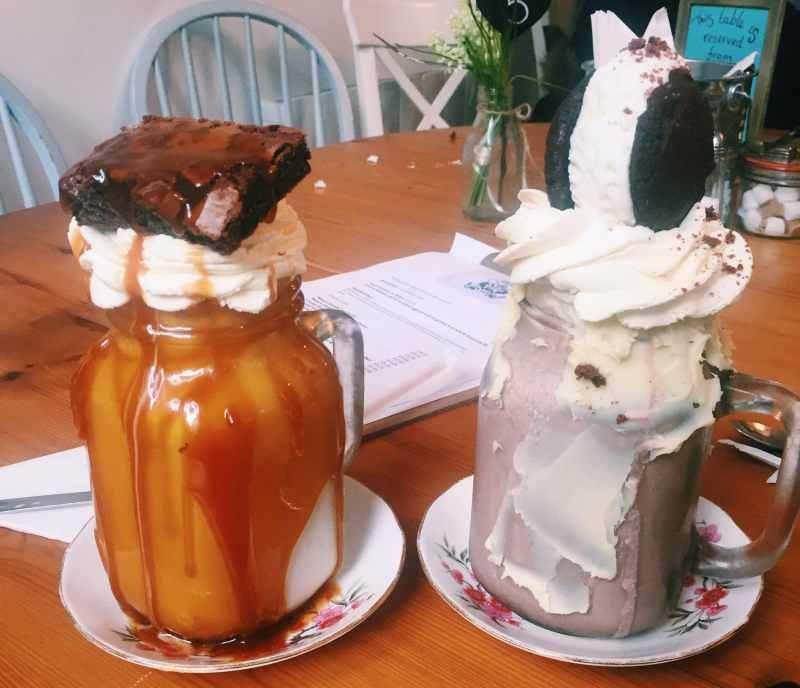 geet big shakes at Great British cupcakery