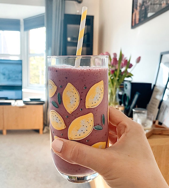 smoothie in lemon glass