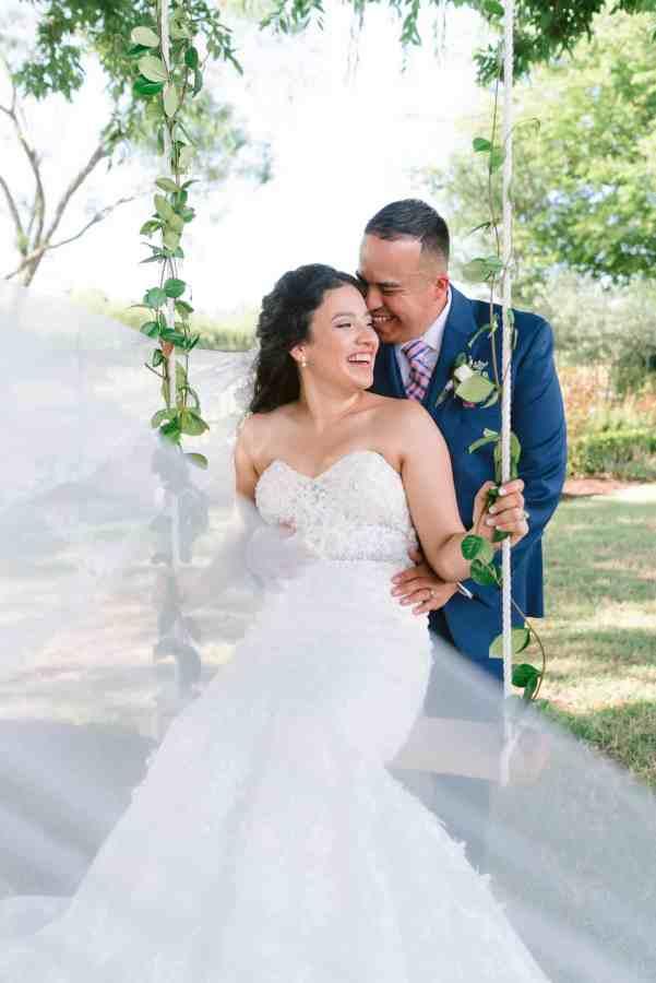 flowing veil Thistlewood manor & gardens wedding