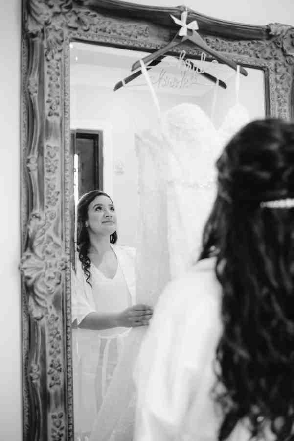 Bridal Suite at Thistlewood manor & gardens wedding