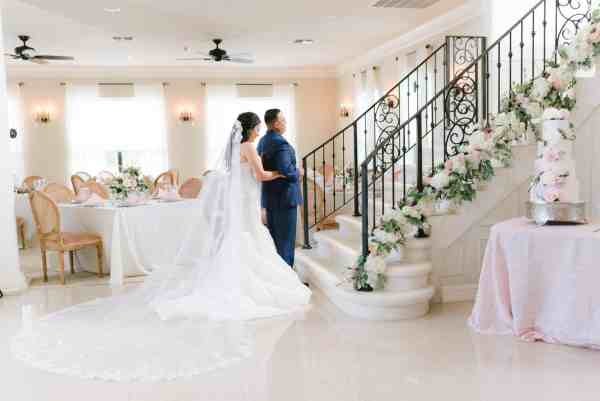 First Touch at Thistlewood manor & gardens wedding