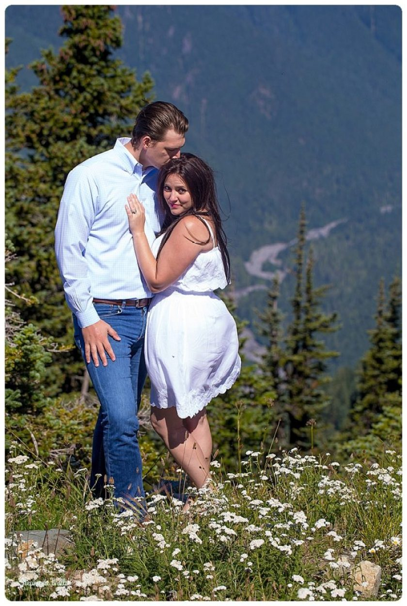 2015 12 16 0028 Crystal Mountain Resort Engagement  | Enumclaw Engagement Photographer