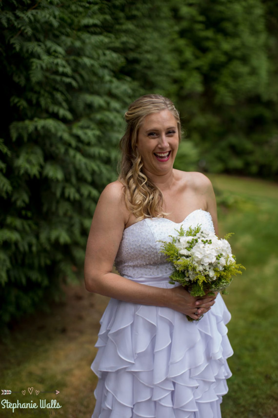 Cruz Blog 52 WOODINVILLE BACKYARD POOL WEDDING | WOODINVILLE WEDDING PHOTOGRAPHER