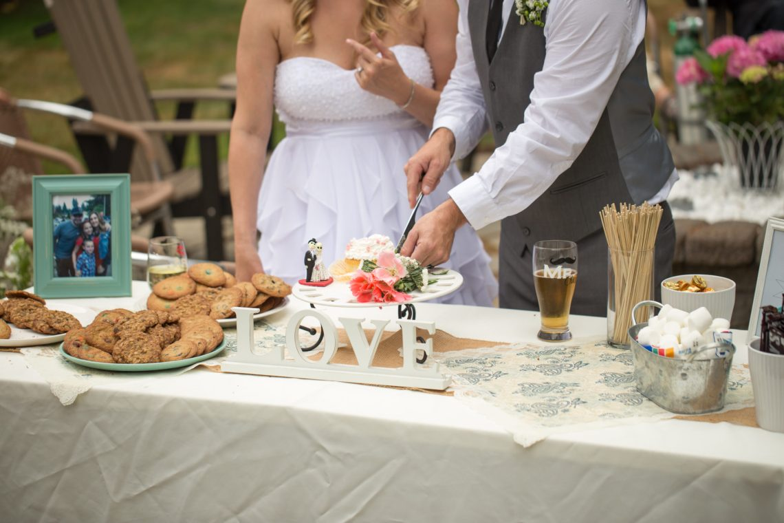 Cruz Reception Cake 15 WOODINVILLE BACKYARD POOL WEDDING | WOODINVILLE WEDDING PHOTOGRAPHER