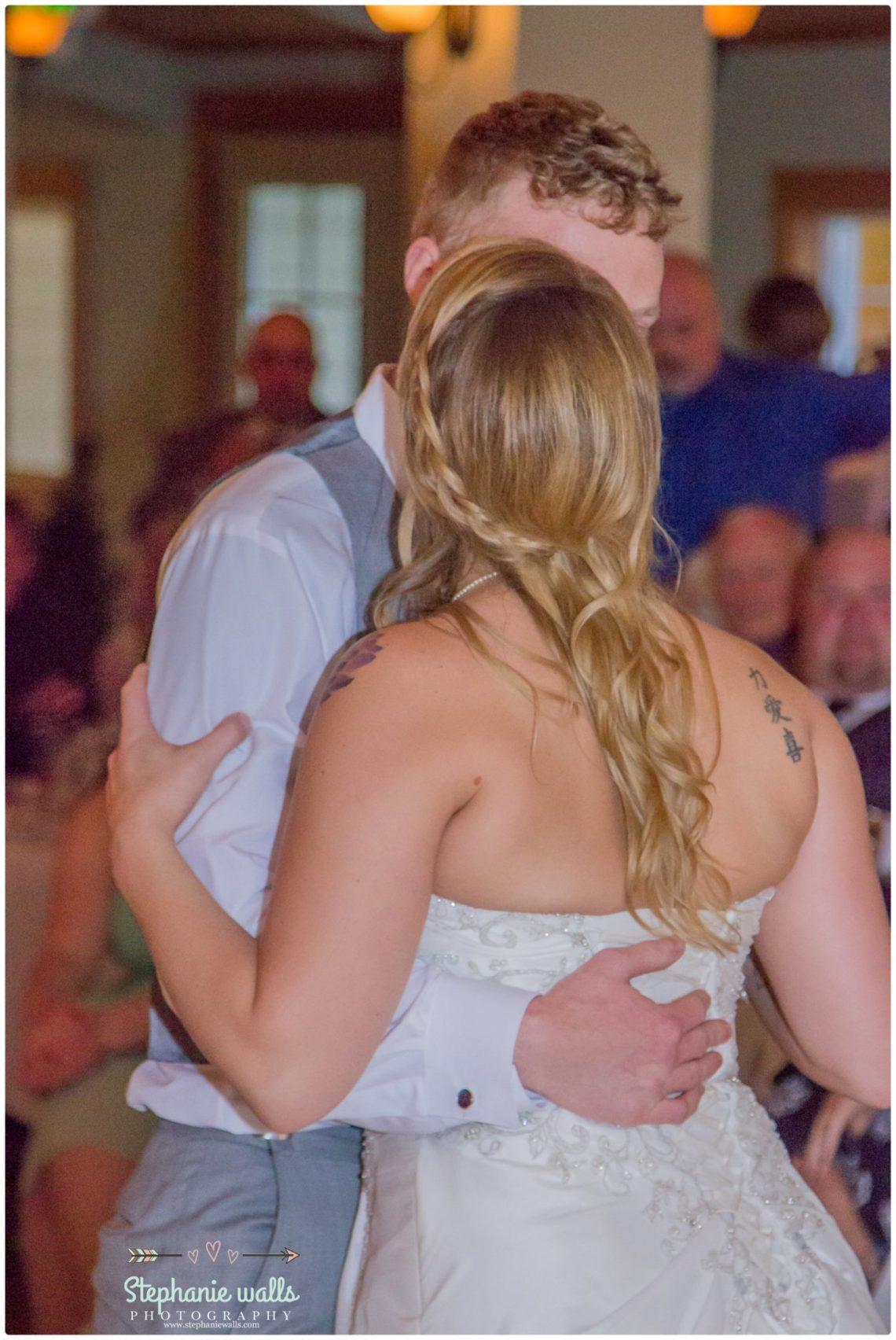 Schroeder Wedding 15 Grand Willow Wedding   Grand Willow Inn Mount Vernon Wedding
