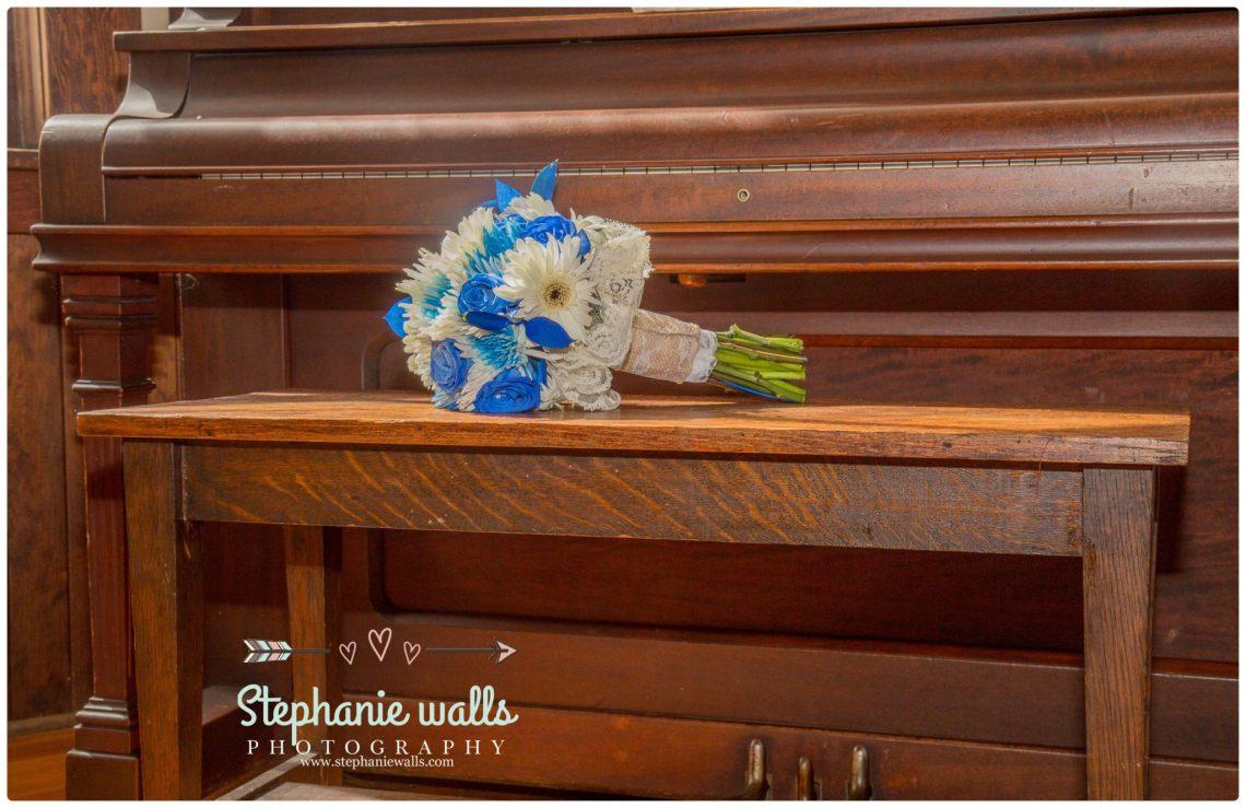 Petty Wedding 41 Making Memories   Chapel At Swan Trails Wedding Snohomish, Wa