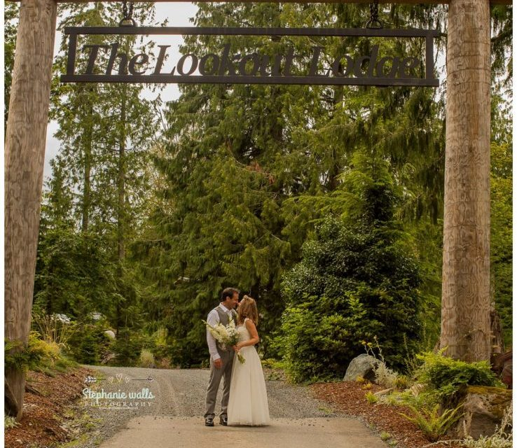 Chris and Alaina's songs of love at The Lookout Lodge Snohomish, Wa