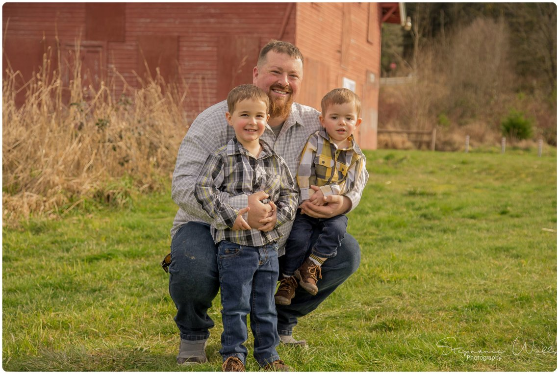 McCaslin 009 Anniversary Family Session | Nakashima Barn | Stephanie Walls Photography