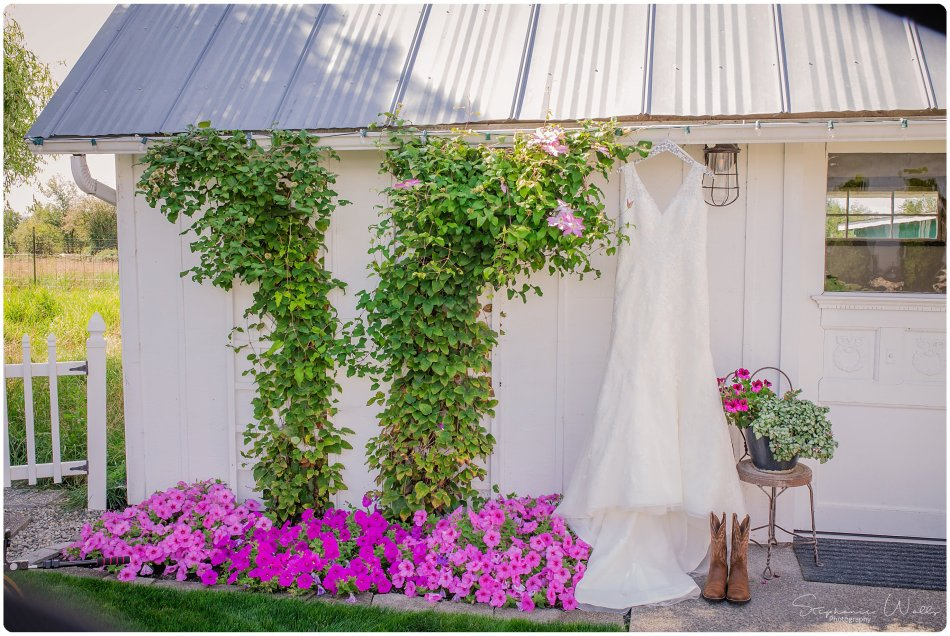 Stephanie Walls Photography 0105 6 950x636 Genesis Farms and Gardens Wedding of Kelli and Quintin