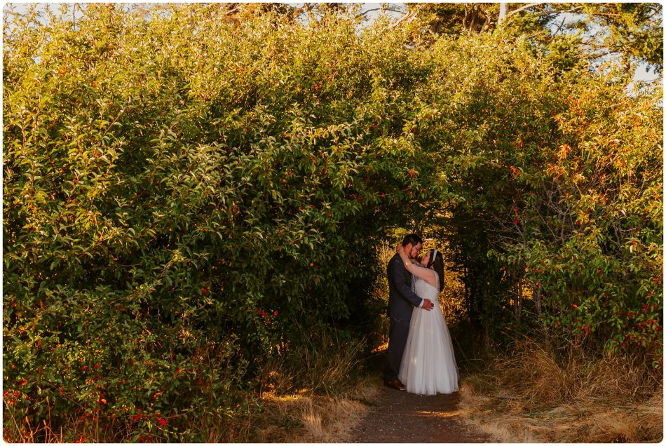Stephanie Walls Photography 1189 950x636 Summer Deception Pass Elopement at Rosario Beach | Jacinda & Trevor