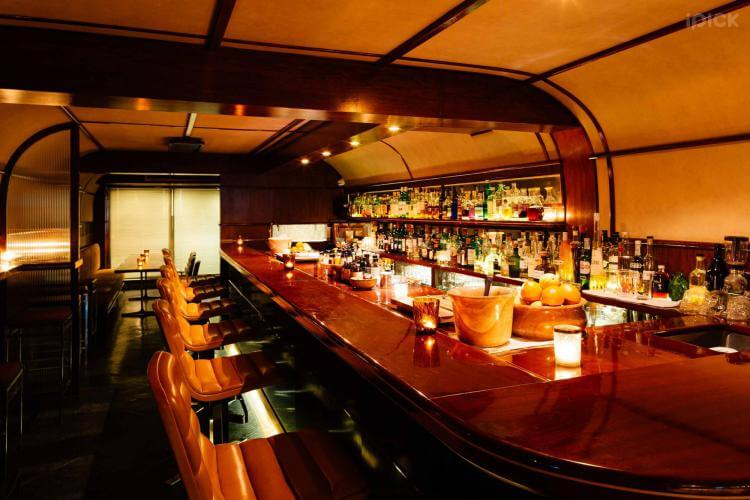Q & A Bar, one of the best speakeasy bars in Bangkok