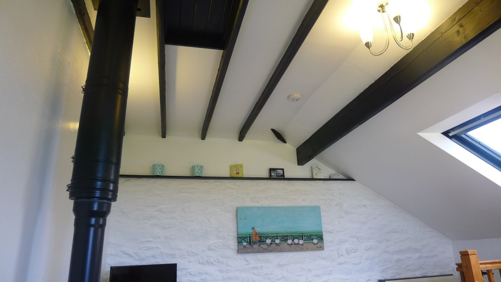 Dove-cottage-beams