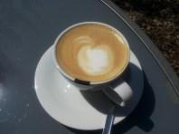 Latte art met kers