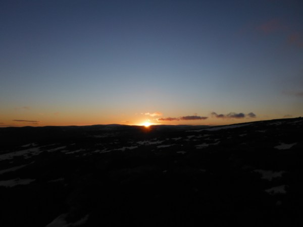 Sunrise on the walk to Lochnagar