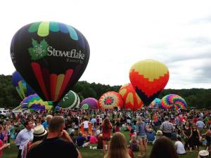 stoweflake hot air balloon festival - stowe vermont