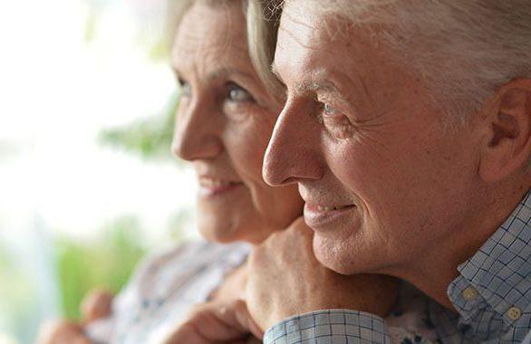 retirement-couple-services-e1492527179901-586x380