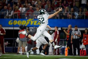 College Football: Cotton Bowl: Michigan State Taybor Pepper (52) in action vs Alabama during College Football Playoff Semifinal at AT&T Stadium. Arlington, TX 12/31/2015 CREDIT: Darren Carroll (Photo by Darren Carroll /Sports Illustrated/Getty Images) (Set Number: X160221 TK1 )