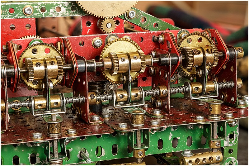 Titan Meccano Model gearing
