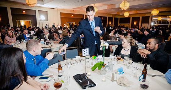 Magician Steven Brundage performs Corporate Entertainment