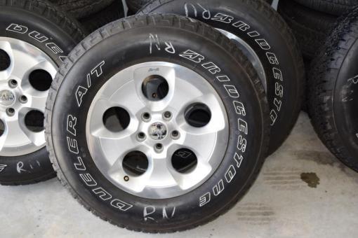 jeep wrangler sahara wheels