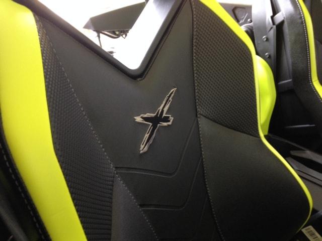 Digital Camo Maverick XMR 1000 New X Package Seats