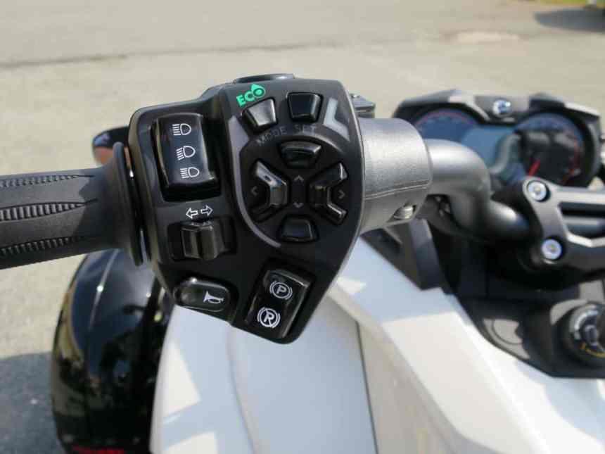 2015 Spyder F3 SM6 Motorcycle For Sale (42)